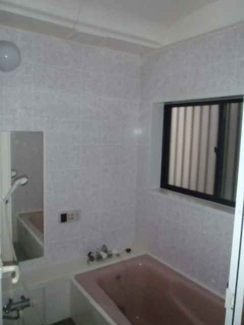 bathroom002-b01