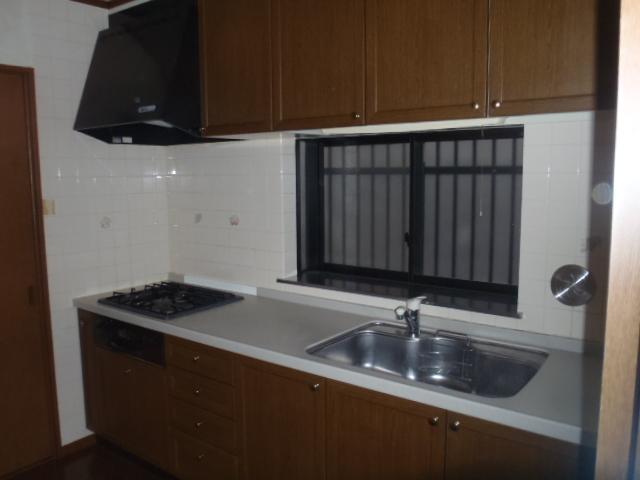 kitchen002-b01