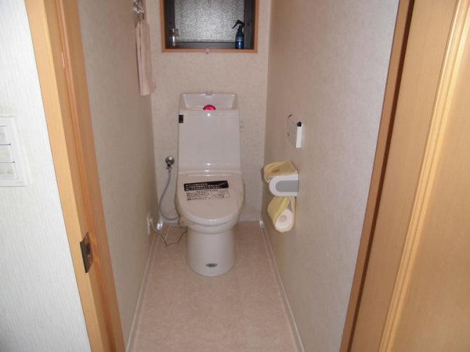toilet002-a01
