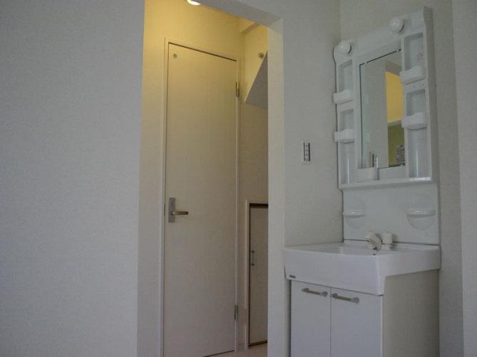washroom001-a01